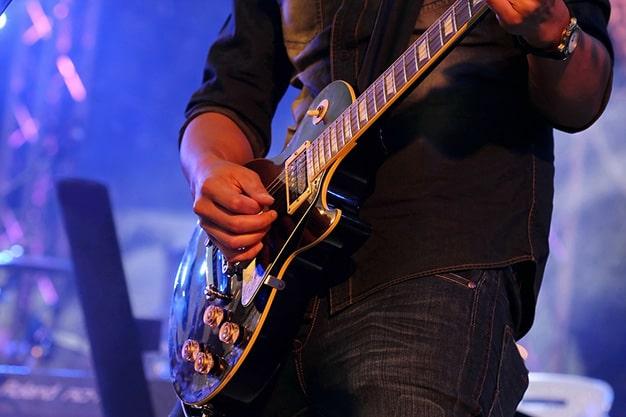 بهترین مارک گیتار کلاسیک و آکوستیک برای شروع