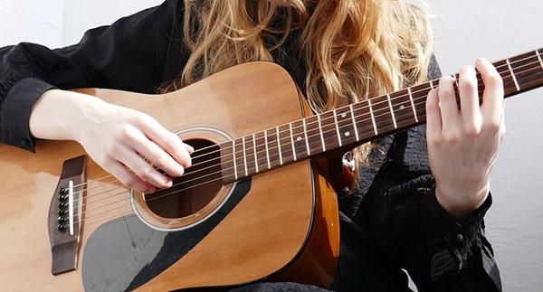 بهترین گیتار برای شروع یادگیری