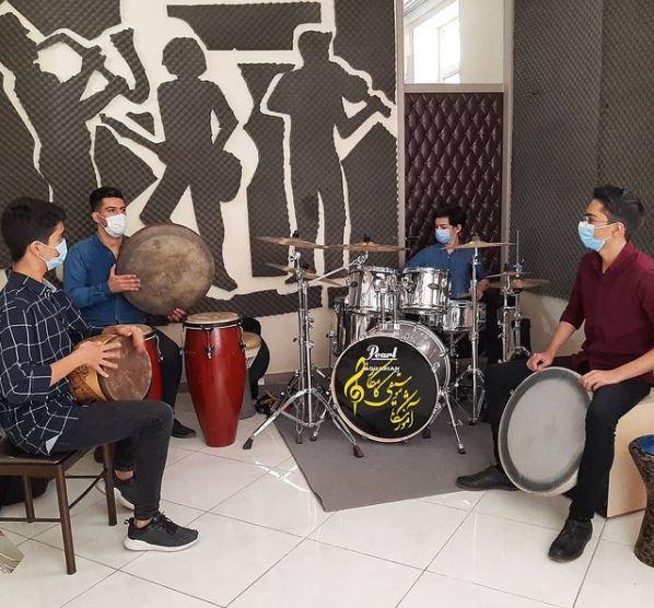 آموزشگاه موسیقی کامکارها