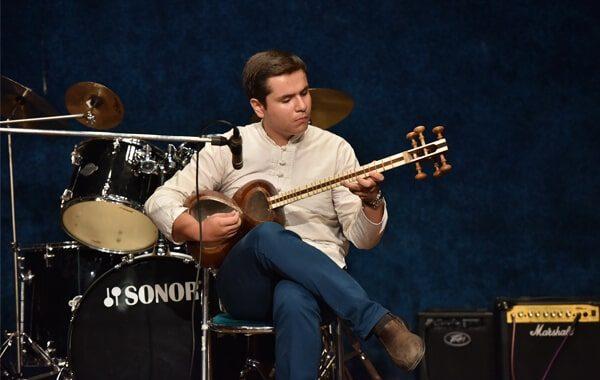 کلاس آموزش تار در آموزشگاه موسیقی منظومه