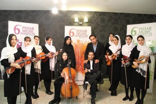 اجرای گروهی هنرجویان آموزشگاه موسیقی پدر