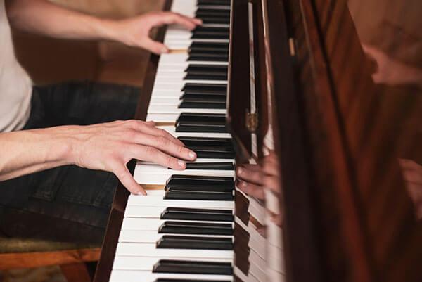 مشخصات پیانو دیجیتال